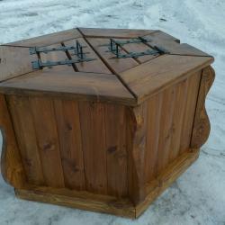 Колодец деревянный из фальшбруса без крыши и корбы